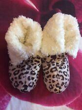 Boux Avenue Estampado de Leopardo Zapatillas Botas Talla 3-4 Piel Forrada