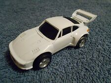 """MAISTO PORSCHE 935 WHITE 3 1/2"""" DIECAST CAR - NICE"""