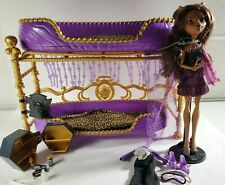 Monster High Room to Howl Clawdeen Wolf & Bunk Bed  With Clawdeen Doll & Stand