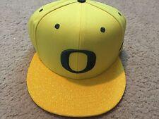New Nike College True Snapback Hat Cap Oregon Ducks Yellow/Green