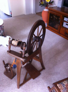 Ashford spinning wheel, made in New Zealand, with instructions & accessories.