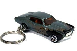 Custom Key chain '70 Chevy Chevelle SS gray with flames
