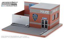 1:64 Greenlight *MECHANICS CORNER* NYPD POLICE DEPARTMENT Diorama Building NIB!