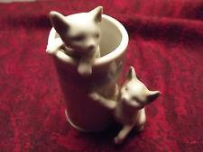 Petit Vase et deux chats en Porcelaine