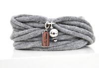 Wickelarmband aus Stoff, Armband in grau, mit Anhängern, Charms, Perle silber