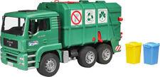 BRU2753 - Camion poubelle vert 6x4 MAN TGA avec conteneurs jouet BRUDER - 1/16