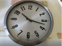 LARGE WALL CLOCK  Brand New 17 inches Diameter
