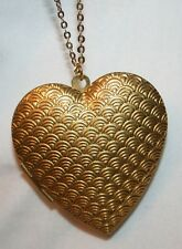"""Lovely Shiny Textured """"Peacock Feathers"""" Goldtn Heart Locket Pendant Necklace"""