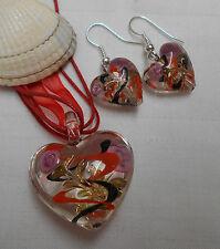 Conjunto De Cristal De Murano En Forma De Corazón Colgante y pendientes rosas y remolinos rojo