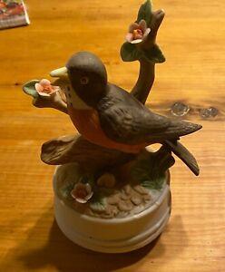 Robin musical ceramic figurine