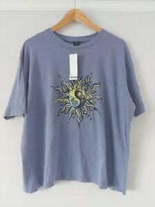 Urban Outfitters Blue Yin Yang Boyfriend Tee BNWT Size Large RRP £26