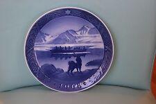 """Vintage Royal Copenhagen 1968 Christmas Plate """"The Last Umiak"""" Mint"""
