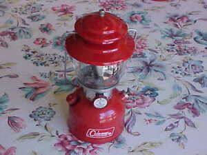 VINTAGE COLEMAN LANTERN RED MODEL 200A DATED 1/71 ORIGINAL GOOD CONDITION