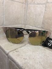 Quay Australia Sunglasses Women's Zig Gold//Gold NWT Includes Soft Case
