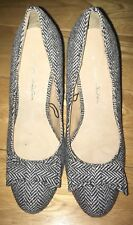 Black And White Pattern Fabric Heels Size 4