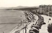 LE LAVANDOU 11061 la plage voitures timbrée