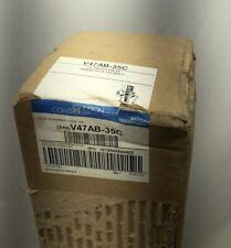 "New listing New Johnson Controls V47Ab-35C 1/2"" Water Valve Ranged 75 To 135 Deg F"