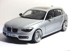 BMW 1er F20 125i Limousine Glacier / Silber Echt Alufelgen Umbau Tuning 1:18
