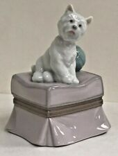 DOG ON OTTOMAN HANDMADE IN SPAIN BY LLADRO LAN347