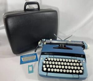 Smith-Corona Galaxie Twelve XII 12 Vintage Typewriter Atomic Blue with Case