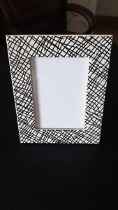 Modern Style Design Black And White Color Mdf And Resin Photo Frame