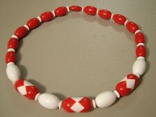 """RETRO VINTAGE NECKLACE CHERRY RED & WHITE GEOMETRIC ZIGZAG LUCITE BEADS 18"""" LONG"""