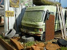 Hymer Wohnmobil Type 650 Bj.1985 - Oldtimer Scheunenfund Diorama im Maßstab 1:43