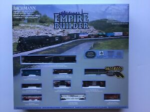 Bachmann #24009 N-Scale Empire Builder 4-8-4 Northern Steam Locomotive Train Set