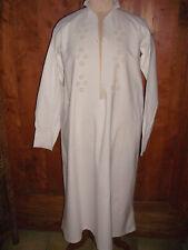 Linge ancien chemise de nuit à manches longues, brodée et festonnée