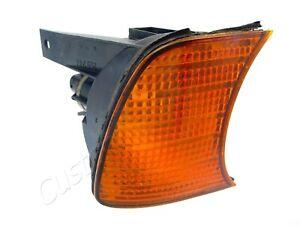 89-94 BMW E34 RH CORNER LIGHT 63131384034 right turn signal park marker lamp
