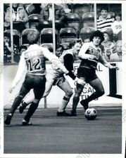 1984 Chicago Sting Soccer Victor Moreland vs Americans Mike Fox Press Photo
