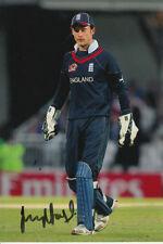 Inglaterra mano firmado James Foster 6x4 Foto Cricket 5.