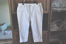 5af454e5429 Liz Claiborne Capri Fit Pants Ladies 8 Petite White