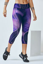 NWT Fabletics *Sold Out* Salar Capri in Small in Illusion Print