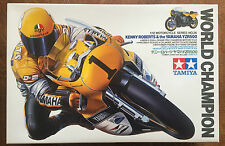 Tamiya 14026 Kenny Roberts & el campeón mundial de Yamaha YZR500 Kit Modelo Raro Nuevo En Caja