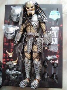 Hot Toys : MMS250 - 1:6 scale - AVP (Ancient Predator + diorama base)