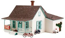 Woodland Scenics    N Country Cottage  WOO5206