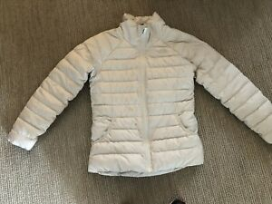NORTH FACE GIRLS WINTER JACKET...SZ 14-16....WINTER WHITE...EXCELLENT CONDITION
