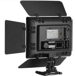YONGNUO Professional 5600K LED Video & Camera Light (YN300 III)