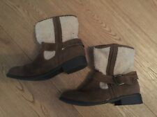 MARKS AND SPENCER MID BROWN AND SHEEPSKIN ANKLE BOOTS SIZE UK 6 - EUR 39