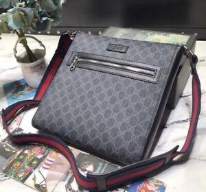 Gucci- GG Supreme small messenger bag