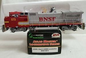 2001 ATLAS #9056 HO DASH 8-40BW BNSF #573 (WARBONNET) with FACTORY DCC - TESTED