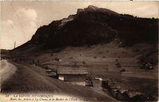 CPA La Clusaz Route des Aravis et le Rocher de l'Etale (337561)