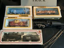 Bachmann HO Train With Cars And Track