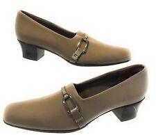 Munro Womens Olive Size 8.5N Khaki Green Buckle Pumps Shock Absorbing Heels
