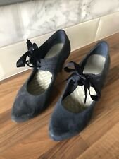 Ladies Clark's Size 5.5 Navy Suede Heeled Shoes With Ribbon