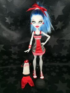 Monster High Doll - Classroom Physical Deaducation - Ghoulia Yelps