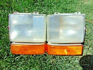 1980-89 Cadillac Fleetwood Brougham Front Corner Turn Signal Lights LH & RH Both