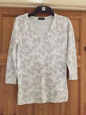 PAPAYA Ladies Pretty White/Grey Floral V Neck Top Size 10