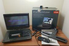 """Logik 10"""" pulgadas reproductor portátil de DVD Pantalla Giratoria Recargable Cargador de coche"""